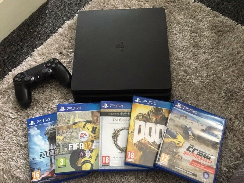 PS4 Slim 500GB 7 months old