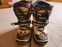 AIRWALK SNOWBOARDING BOOTS SIZE UK 4.5 LACE UP