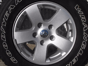 Mag Ram 1500 et pneu Goodyear Wrangler Lt  265 70 R17