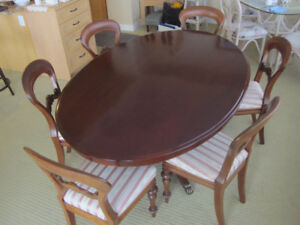 Elegant Oval Australian Cedar Dining Table and 6 Chairs
