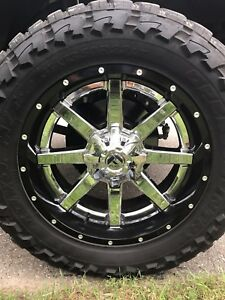 22x10 Fuel Maverick 2 Piece wheels on 37x13.50R22 Toyo Mts