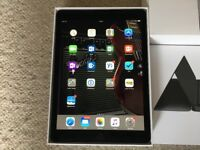 "9.7"" iPad Pro 256GB Space Grey (Black) and Apple Smart Keyboard"