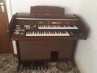 Technics E33 electric organ and stool