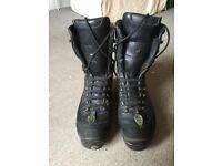 Arbortec Profell X-pert Chainsaw Boots size 10.5.