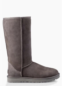 UGG Boots W7