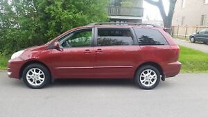 2005 Toyota Sienna LE ALL WHEEL DRIVE & LOADED CERTIFIED $4975