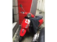 RED VESPA 125. Excellent Condition