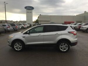 2017 Ford Escape SE, 4WD, MOONROOF, SYNC CONNECT