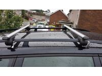 Lockable Aluminium Roof Bars- Open Rails