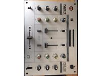 Stanton Pro 30 Mixer - ideal pro record players. 2 channel
