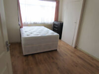 FANTASTIC DOUBLE AND SMALL DOUBLE ROOMS AVAILABLE FOR RENT ONLY NO DEPOSIT