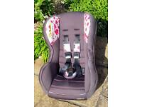 Kiddicare Cat seat. Front and rear facing. 0-18KG. Very clean. Was Grandparent's spare.