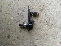 GENUINE BMW E91 E61 TOURING 3 5 SERIES REAR WIPER PIVOT SHAFT SPINDLE PART NUMBER: 7209167