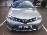 Toyota Auris 1.8 VVT-i Excel e-CVT HSD 5dr *Sat Nav,Panoramic roof,B-tooth*