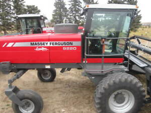 2010 Massey Ferguson 9220 Swather
