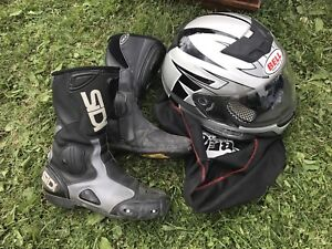 Motercycle Boots and Bell Helmut