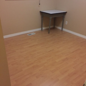 **Room close to college ** Available Sept 1