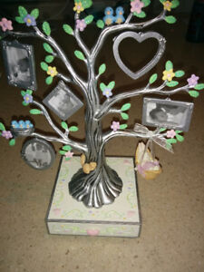Tree with picture frames