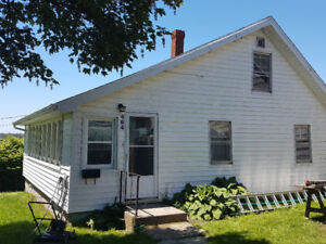 2 Bedroom House Located Center Town Yarmouth