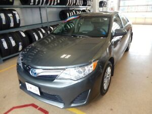 2013 Toyota Camry Hybrid LE Fuel saving comfortable car