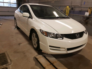 Very very clean 2010 Honda civic coupe