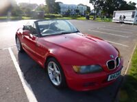 BMW Z3 Roadster 1.9L Convertable in Red, Excellent Condition, full leather.