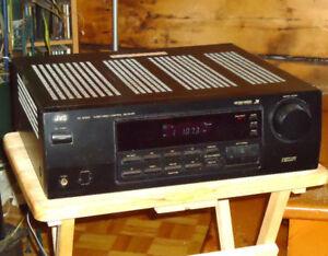 PUISSANT AMPLI ( Stéréo ) JVC  RX-5000V de 290 W +prise PHONO