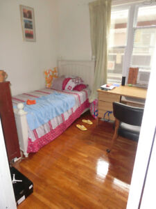nice student rooms for rent, Partington ave, close UW