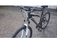 MOUNTAIN BIKES UNISEX 2 OFF HYPER 20 IN FRAME AND ROCK RIDER 20 INCH