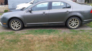 2010 Ford Fusion - $3000