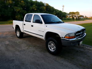 2001 dodge Dakota slt 8 cyl quad cab