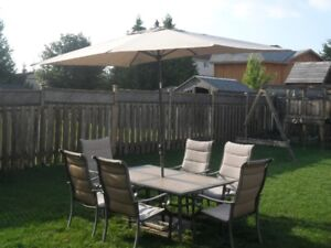 Outdoor dining set for 6 with umbrella