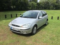 2005 Ford Focus 1.6 Ghia low milage 1 previous owner £900.00 ONO