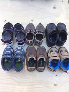 Excellent condition boys shoes/sneakers sizes 7 & 8 todler!!