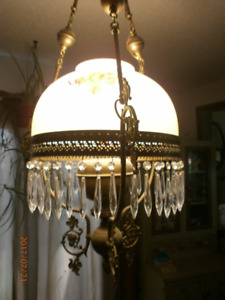 Stunning Antique Lamp from the 1800's,