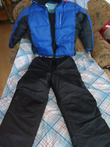 Size large snow suit very warm