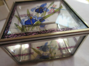 DECORATIVE HAND PAINTED MIRROR BOX FROM SCOTTLAND
