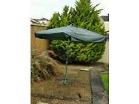 Free garden parasol