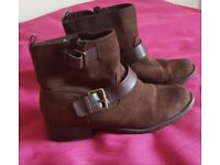 Various Womens boots, size 5