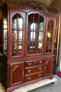 Lg Cherry coloured 2 pce (lighted) Wood China Cabinet