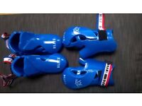Taekwondo sparring footwear and gloves