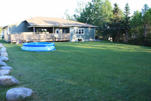 1 level home for sale in very quite area in glovertown
