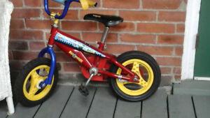 Boys bike 12 inch wheels with training wheels