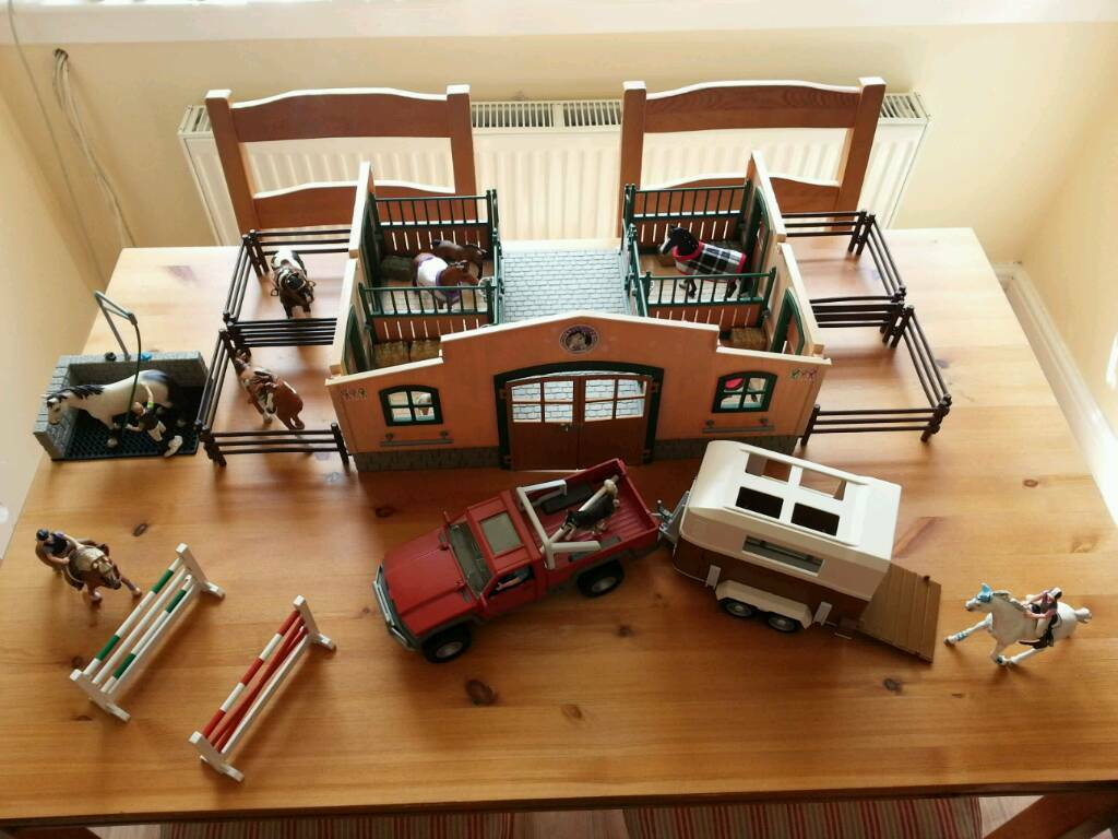 Schleich Horse Stable With Horses Amp Accessories Pickup