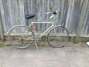 VINTAGE MEN'S SUPERCYCLE ESCORT CRUISER - $150 (MILTON)