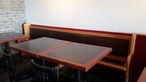 Tables en bois pour restaurant, café, bistro
