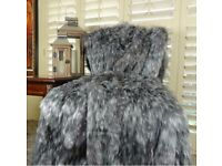 Wanted-Grey fur throw/bedspread-money waiting