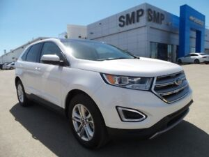 2016 Ford Edge 3.5L V6 with NAV, 4WD, HEATED SEATS & MUCH MORE!