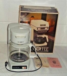 MR. COFFEE 10 CUP BREWER