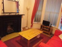 Student rooms to let in 3 bed house (£65 pppw inclusive)